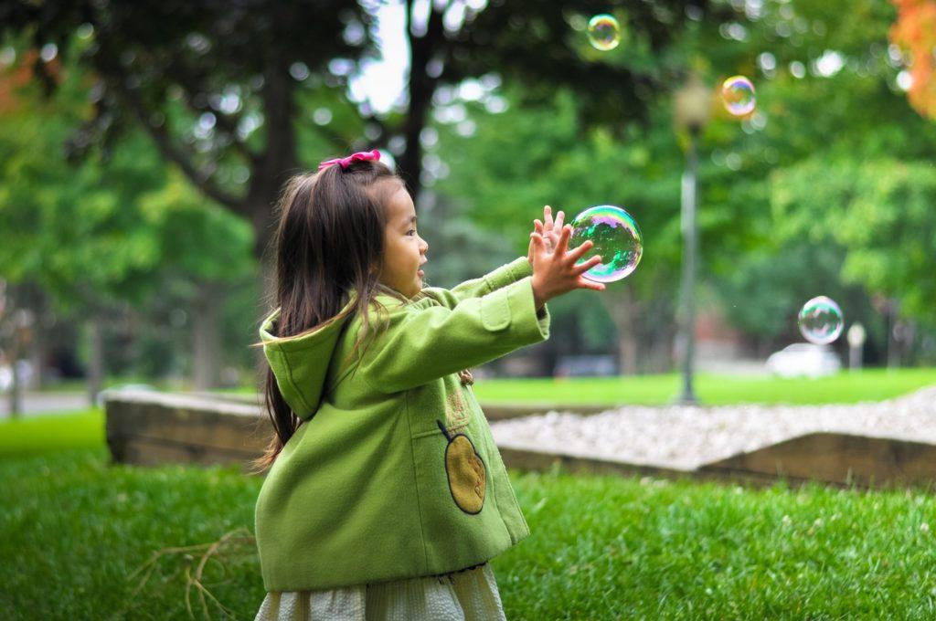 motorisches Baby-Spielzeug ab dem ersten Jahr
