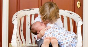 Wie gewöhne ich mein Kind an den Kinderhochstuhl?