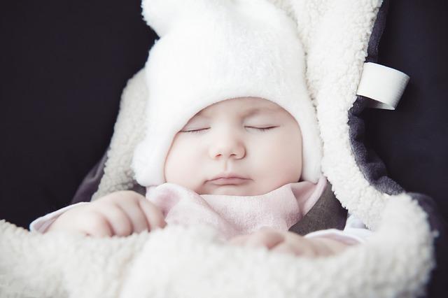 Wenn Babys im Winter geboren werden - Tipps zum Warmhalten